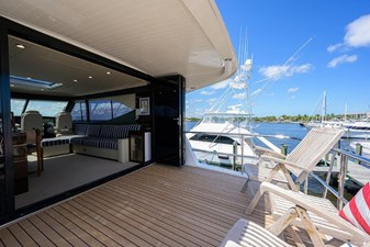Now What_enclosed_flybridge_aft_deck_2