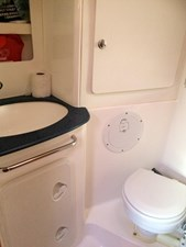 Northern Breeze 18 Head and shower compartment