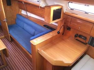 Northern Breeze 20 Starboard settee