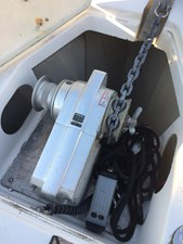 Northern Breeze 24 Lofrans electric anchor winch