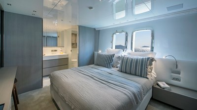 SANLORENZO SL106 18 port VIP cabin