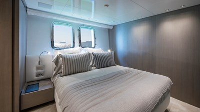 SANLORENZO SL106 20 starboard guest cabin