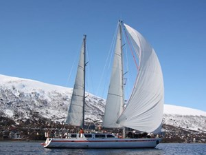 75-polar-ketch-14