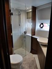 Forward Cabin En Suite
