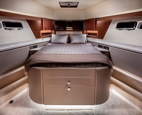 Whitehaven 6100 Coupe' 6 Forward Stateroom