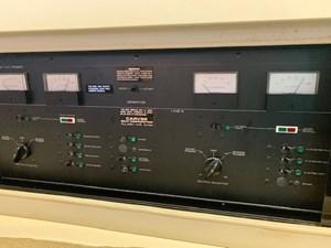 25 Tom Foolery 1990 Carver Santego 34 electric panel 2