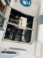 30 Tom Foolery 1990 Carver Santego 34 engine room 1