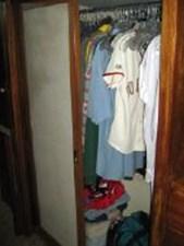 TIVA 24 Master stateroom hanging locker