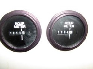 Engine hour meters (SMOH)