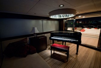 RED PEARL 10 upper deck salon with piano