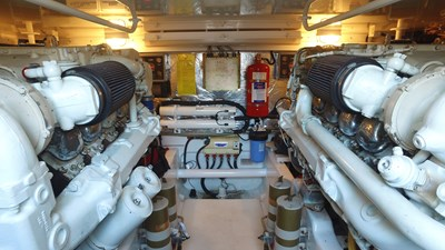 MY TIME OUT 34 Engine Room