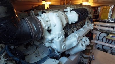 MY TIME OUT 36 Port Engine