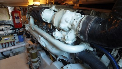 MY TIME OUT 37 Starboard Engine