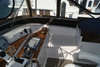 214 Flybridge to Starboard Seating