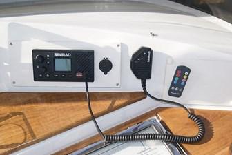 309 Simrad VHF