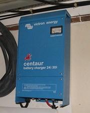 341 Centaur 24v 30A Batt Charger