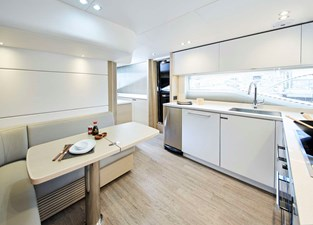 PRINCESS 30M - Galley