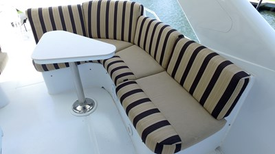 Fly Bridge Seating - Starboard