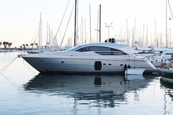 Pershing 64 built in Italy 2009 with engines MTU pure performance