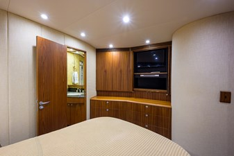 Speculator_forward_stateroom_5