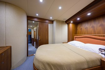 Speculator_forward_stateroom_6