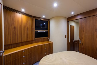 Speculator_forward_stateroom_8
