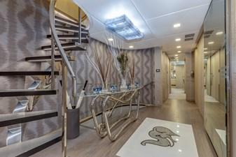Benetti Veloce 140 Main deck passageway with day head