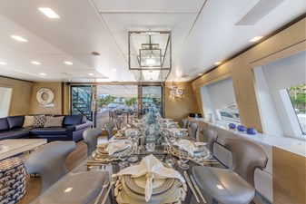 Benetti Veloce 140 Skylounge dining with table for 10