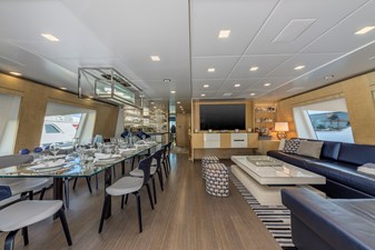 Benetti Veloce 140 Skylounge with dining