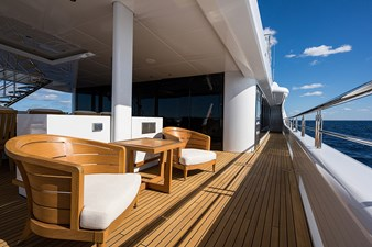Quantum of Solace_skylounge_aft_deck_7