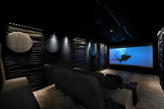 Photo13- 21 - Upper Deck - Cinema