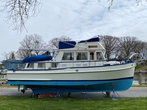 Arpension 6 Arpension 1989 GRAND BANKS 36 Heritage Classic Trawler Yacht Yacht MLS #264916 6