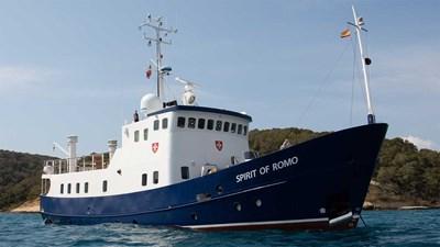 Mediterranean_Romo_Starboard_Three-quarters_01