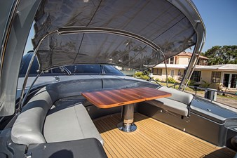 retractable shade for bow area