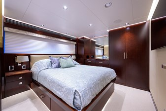 GUEST STATEROOM / FWD PORT