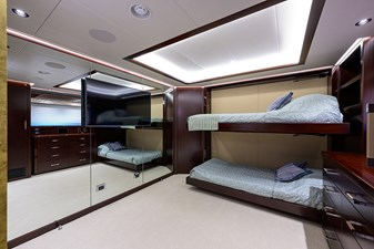 GUEST STATEROOM / FWD STARBOARD