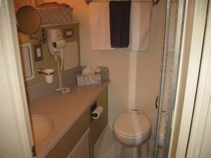 Ocean Romance_Captain Quarters Bathroom
