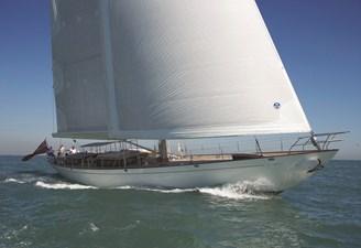 TC 90 Kealoha sailing