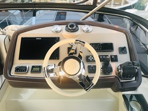 Flybridge Helm 1 (2)