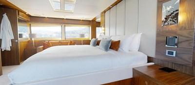 Sunseeker-115-Sport-Yacht-Zulu-Master-Cabin-5