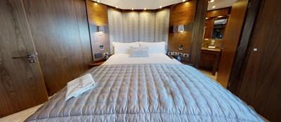Sunseeker-115-Sport-Yacht-Zulu-Port-VIP-Cabin-3