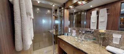 Sunseeker-115-Sport-Yacht-Zulu-Port-VIP-Cabin-En-Suite