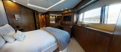 Sunseeker-115-Sport-Yacht-Zulu-Port-VIP-Cabin
