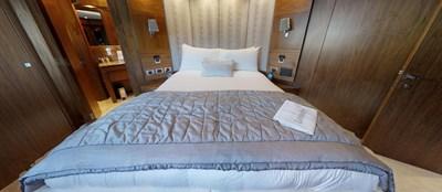 Sunseeker-115-Sport-Yacht-Zulu-Starboard-VIP-Cabin-2