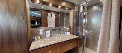 Sunseeker-115-Sport-Yacht-Zulu-Starboard-VIP-Cabin-En-Suite