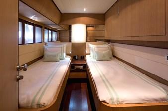 11_Twin Cabin