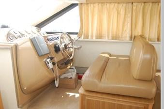 2002 Bayliner 3788 26 27