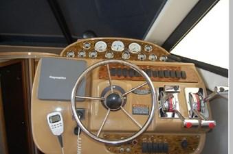 2002 Bayliner 3788 27 28