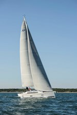 YME1092_fixedsail-427x640