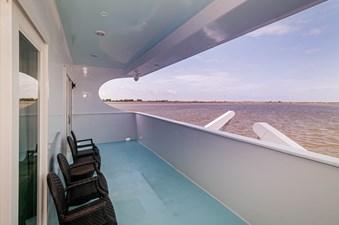 2016 106 Housboat Le Colby Jean Master Balcony